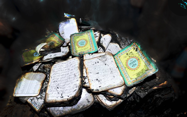 Kaafir extremist hefajot burn Quran but the Sacred Qur'an not burned at all.